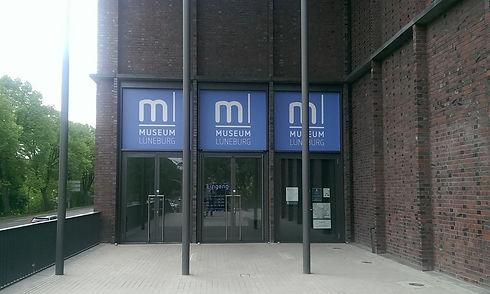 schilder-beschriftungen-Museum-lueneburg
