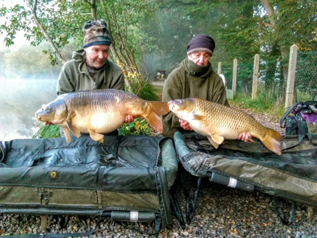 Fisherfolk with Carp | Fishing Holidays in France