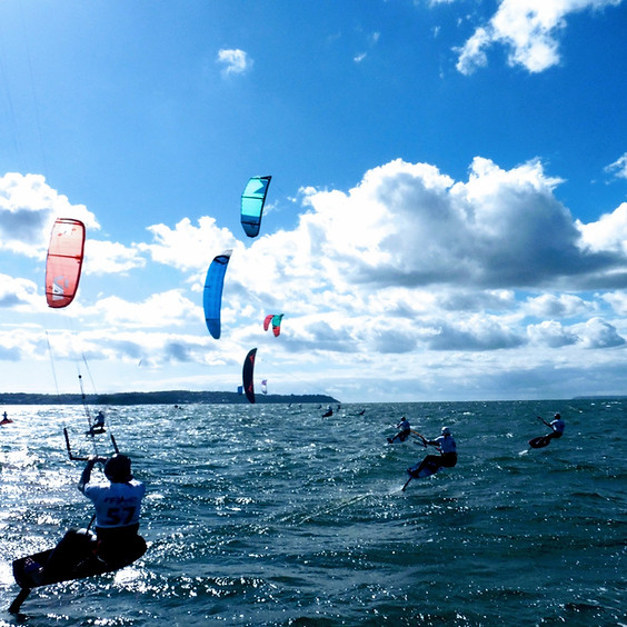 skc race kitefoil