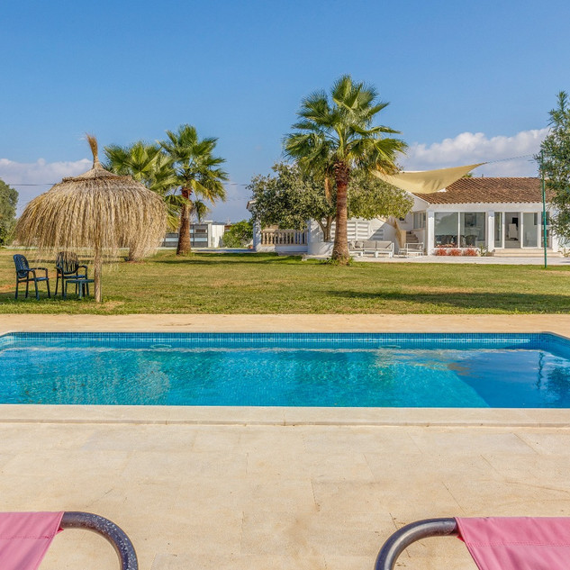 This ground floor Villa of 250 m2 completely renovated in 2018 with a land size of 7800 m2.                 is situated in natural surroundings only 8 Km from main airport Son Sant Joan.