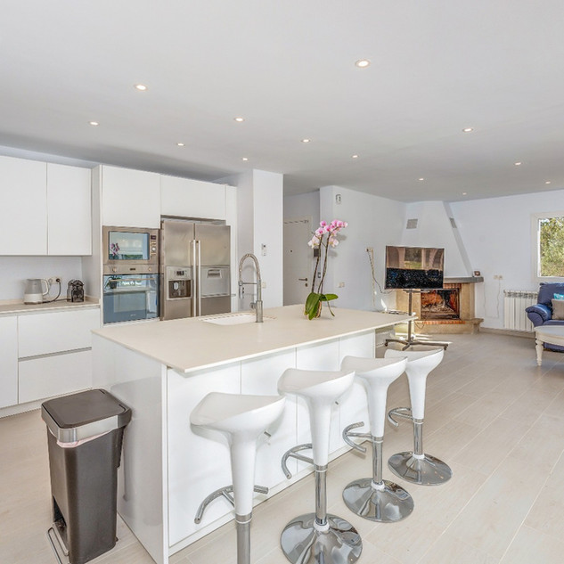 Fully equipped modern kitchen with an island