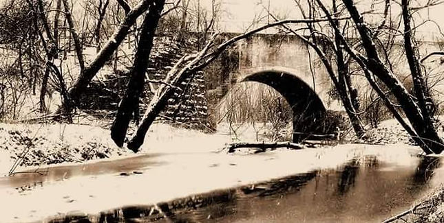 Snowy Stoney Arch.jpg