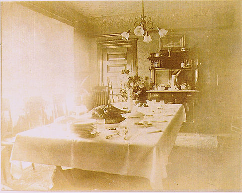The Ray House - Dining room.jpg