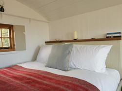 Kingsize bed, Shepherd's Hut