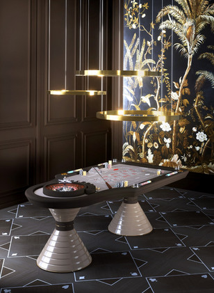 luxury roulette table