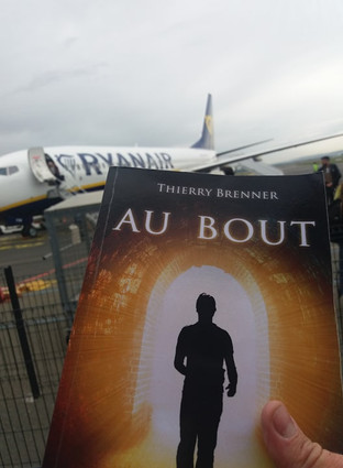 Livre Au Bout + Avion.jpg