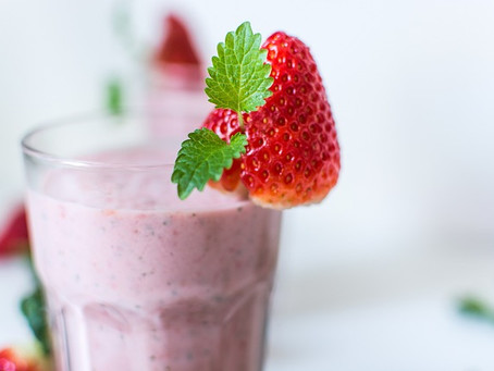 Summer Refresher: Banana Raspberry Smoothie with Whey Protein