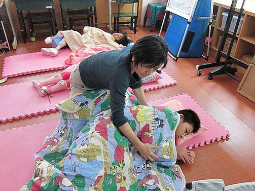 協助智慧班學生養成正確的睡眠姿勢,獲得較好的成長
