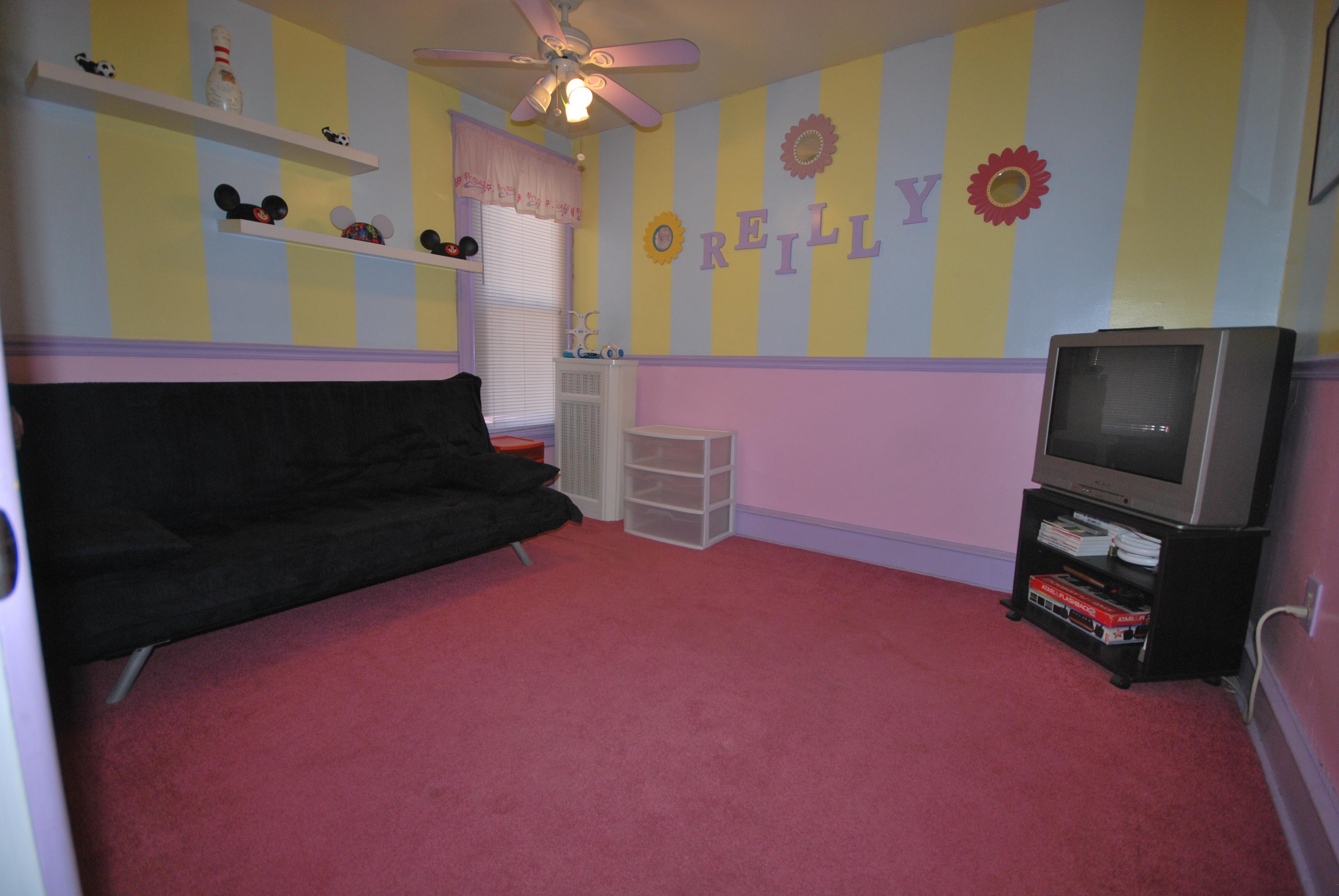 Midele Bedroom