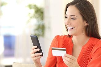mujer-comprando-movil.jpg