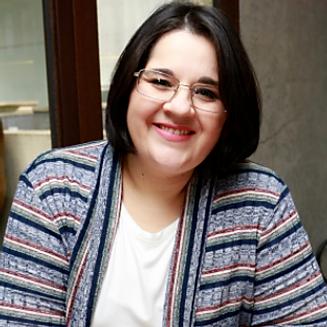 Léia Faustino.png