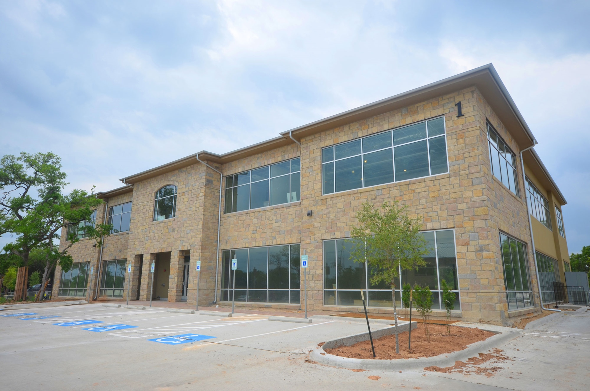 Mesa Oaks Building 1