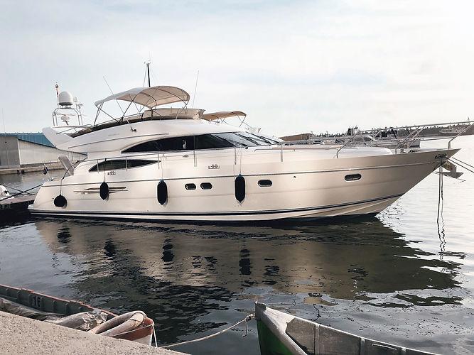 LYM_Yacht.jpg