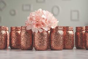 rózsaarany színre festett üvegek