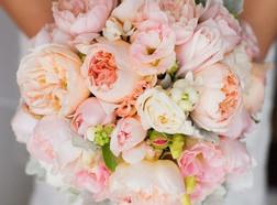 rózsaszín virágcsokor