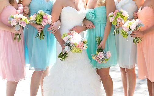 pasztell menyasszonyi ruha