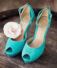 türkizzöld menyasszonyi cipő