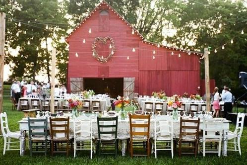 többféle esküvői széktípus egyszerre