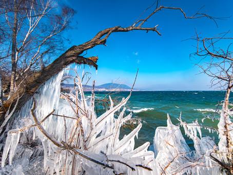 Bord du Lac de Neuchâtel sous la glace
