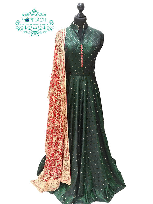 Dark Green Gown With Red Shawl (XL)