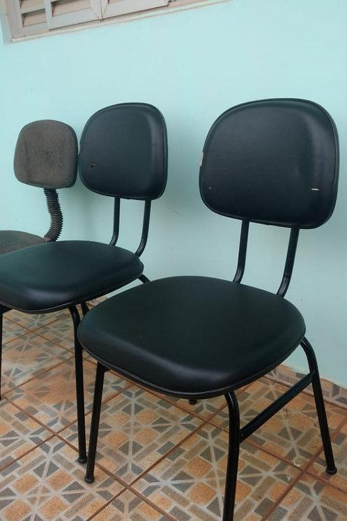 Lote c/ 03 cadeiras Pretas