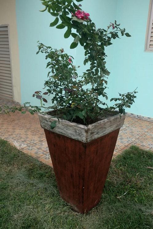 01 Vaso de Concreto Grande com Roseira