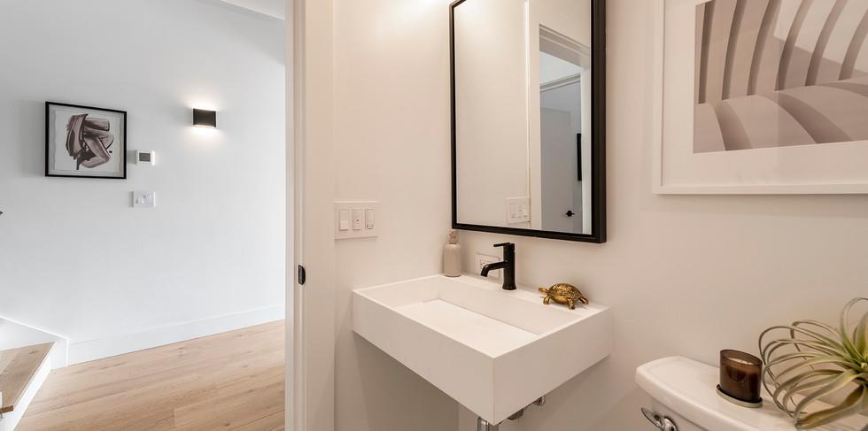58_downstairs_bath.jpg