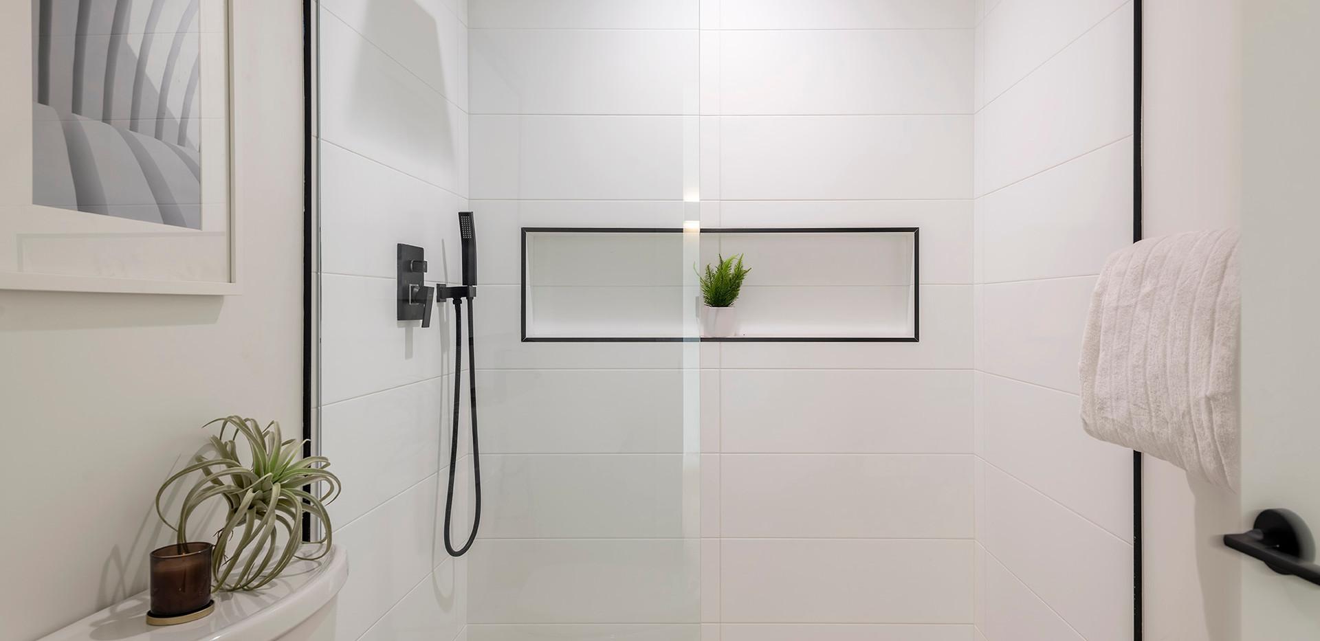 59_downstairs_bath.jpg