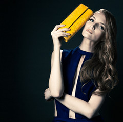 MelBoteri_yellowclutch_crop2.jpg