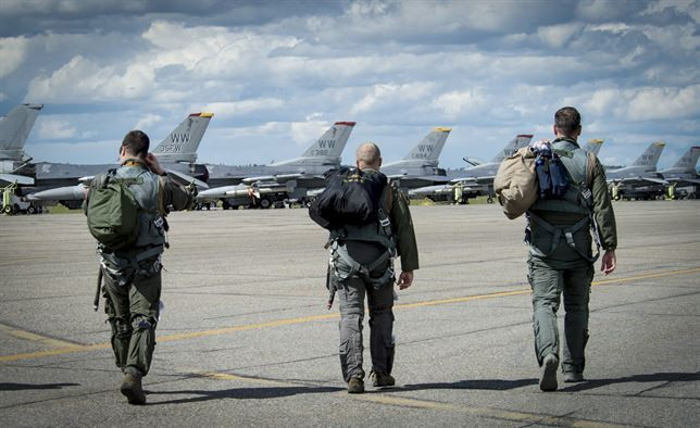 """Protecting the """"Pipeline"""": Overcoming the Air Force's Pilot Shortage"""
