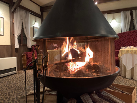 暖炉に火が入りました!