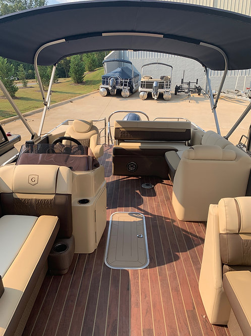 2020 Sweetwater 2286 SFL (Single Flip Lounge) w/Yamaha F150LB