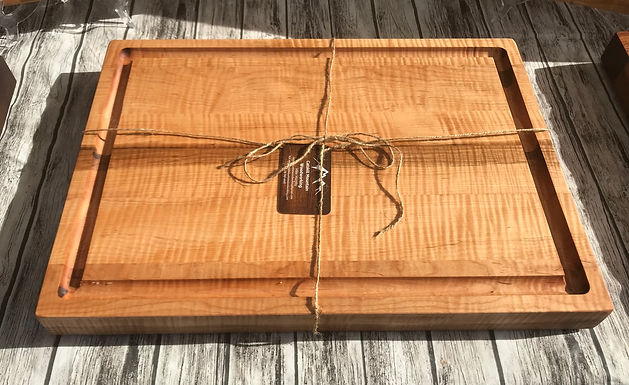 Curly Maple X-large Juice Groove Cutting Board