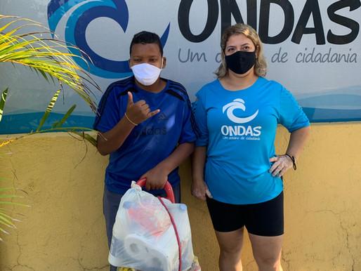 Projeto Ondas recebe apoio e auxilia no combate a fome no Guarujá (SP)