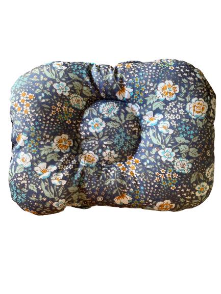 Almofada de braço para apoio do bebê na amamentação floral