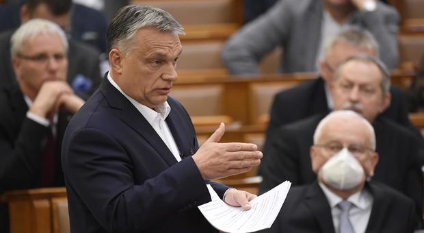 Coronavirus, l'Ungheria dà pieni poteri a Orban. Potrà anche chiudere il Parlamento, Il Messaggero, 30 Marzo 2020