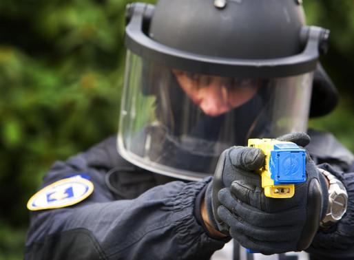 Per Salvini la sicurezza è una scarica elettrica