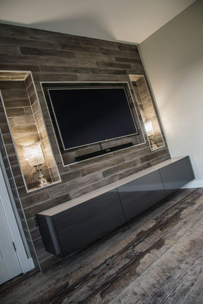 Wall hung TV cabinet in Anthracite with Glass Top