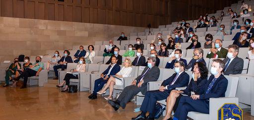 La remise des Prix avait lieu dans l'auditorium André et Liliane Bettencourt de l'Institut de France. © Philippe Provoly