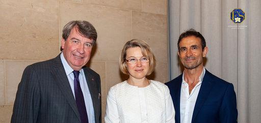 Le chancelier de l'Institut de France Xavier Darcos, la fondatrice Natalia Logvinova Smalto et Thomas Kouros Vidal, juriste et auteur. © Philippe Provoly
