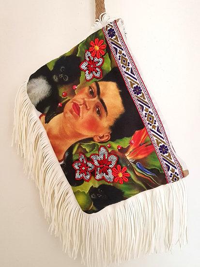 Pochette Le Portrait Ecru Frida Kahlo