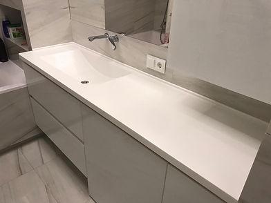 Столешица в ванную комнату из искусственного камня