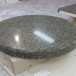 Стол из искусственного камня