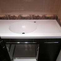 Столешница в ванную комнату с интегрированной раковиной