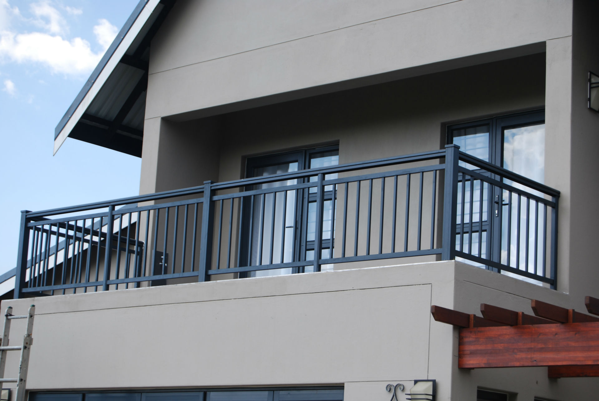 balustrade-with-aluminium-droppers-2-w19