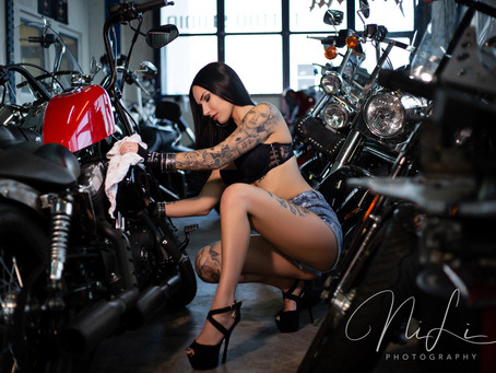 Bikes & Girls...
