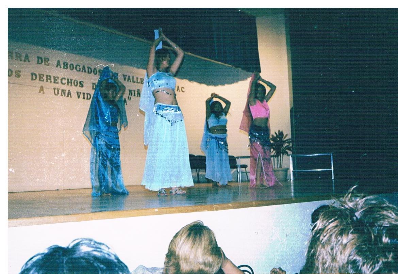 Presentación_de_danza_árabe_2