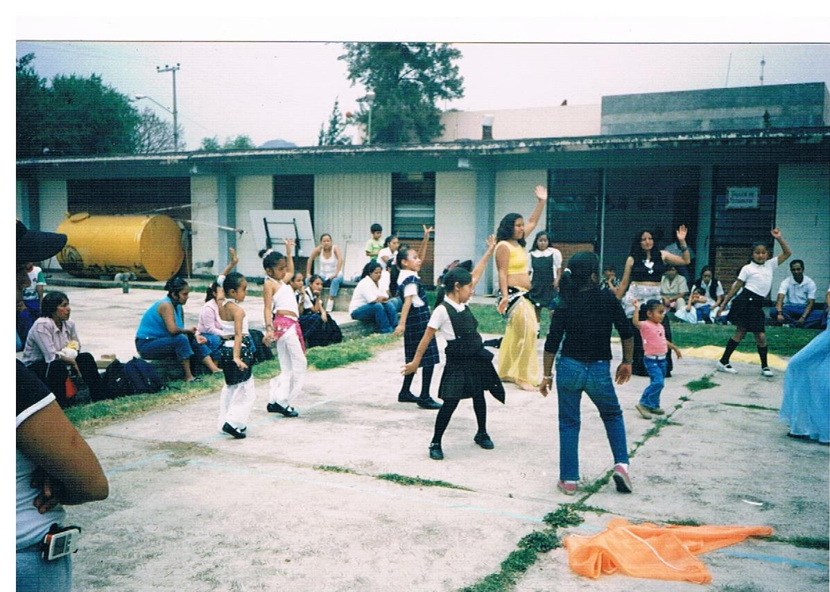 Educación_intercultural,_taller_de_danza_árabe_4