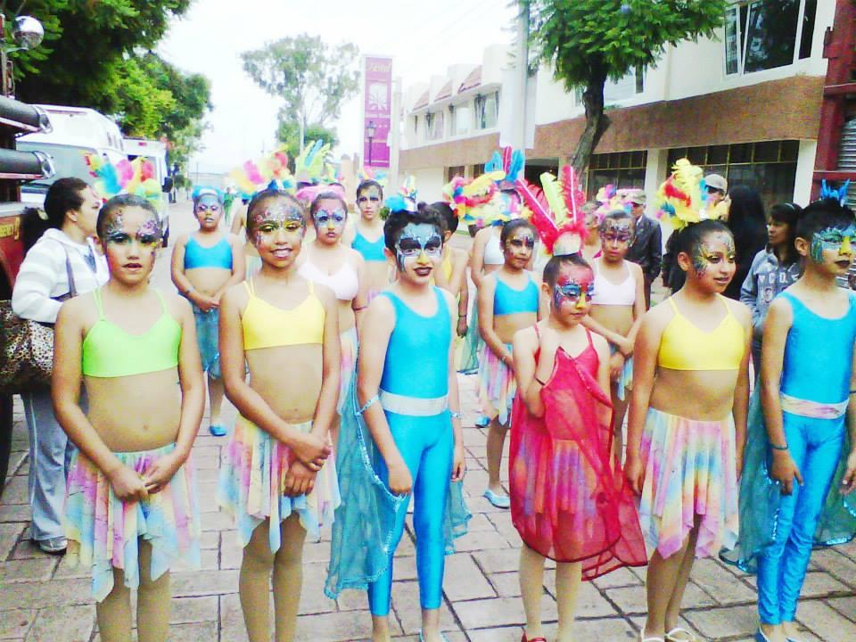 Educación_intercultural,_difusión_de_la_cultura_saharaui_y_dominicana;_desfile_cultural_en_Hidalgo_1