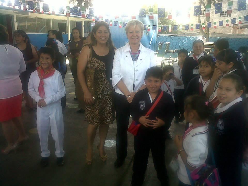 Educación_intercultural,_visita_de_la_Embajadora_de_la_UE_en_escuela_primaria_2